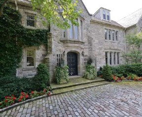 7 bedroom house in Rosedale-Moore Park | 19 Highland Ave at 19 Highland Avenue, Toronto, ON M4W 2A2, Canada for